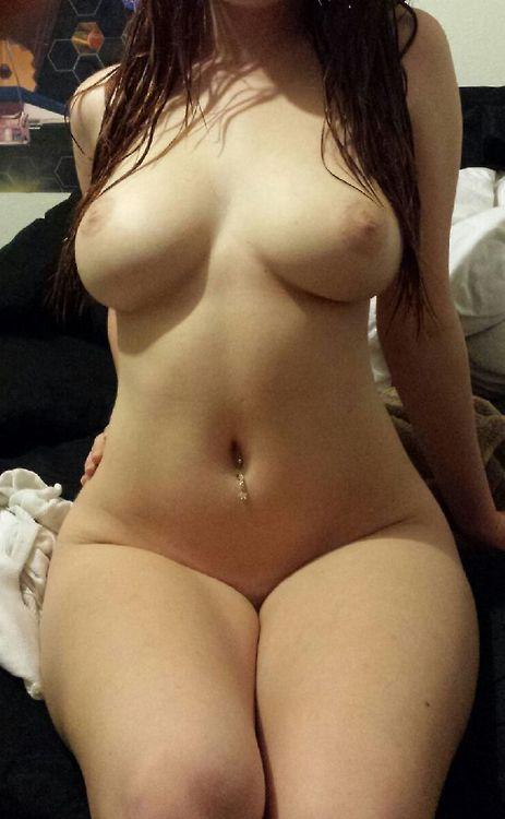 Amandine la nymphomane jeune salope chaude chatte sexe snapchat