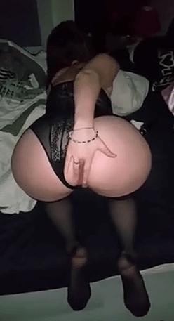 Salope française suce et se fait sodomiser par son plan cul