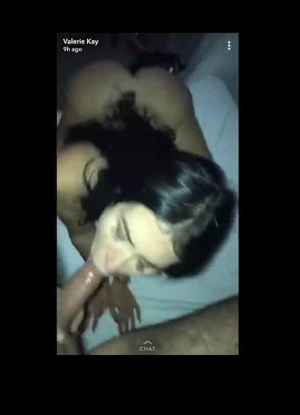 Valérie l'anglaise suceuse #1 du snap sexe!