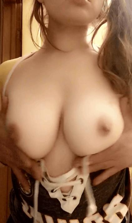 Asiatique gros seins dispo pour du sexe/snap sexe