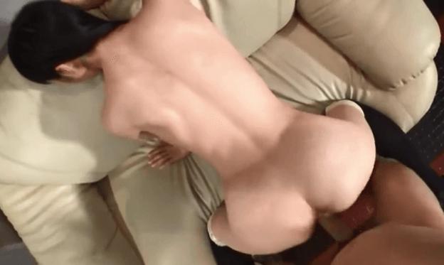Snap sexe japonaise prise en levrette par un Français