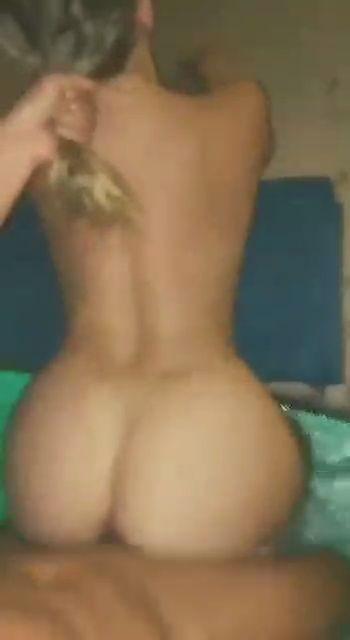 Wendy la nudeuse blonde 👱♀️ adore les rebeu